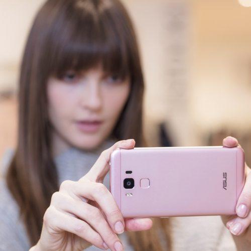 ASUS Zenfone 3 Max, Smartphone #GaAdaMatinya Hadir Dengan Warna Pink