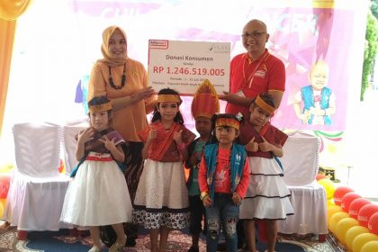 Donasi Konsumen Terkumpul, Alfamart Serahkan Bantuan Untuk Anak-anak Penderita Kanker